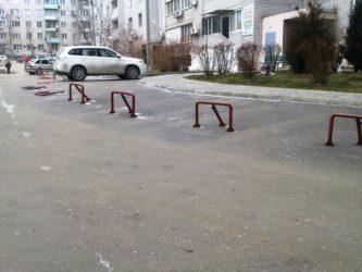 Можно ли во дворе установить парковочный барьер?